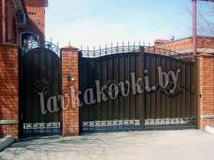 "Ворота ""ОСАТ 15-52"" зашитые листом"